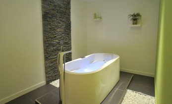 soins d eauyonko spa yonko spa. Black Bedroom Furniture Sets. Home Design Ideas