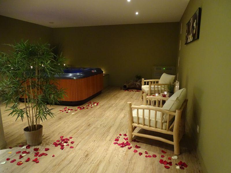 décoration jacuzzi st valentin
